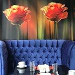 Restaurante do café da manhã decorado com muito bom gosto