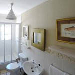 Standard en suite, with shower