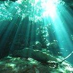 Lichtvorhang in einer Grotte