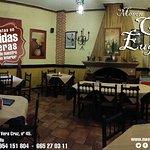 Mesón Casa Eugenio, ubicado en la localidad sevillana de Tomares, especializado en comidas caser