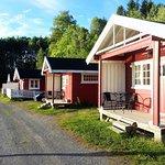Noen av hyttene. Some of the cabins.