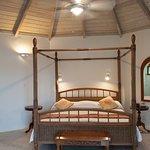 Arawak Beach Inn Photo
