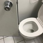 Spacious bathroom !