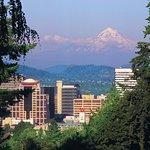 Portland Views - Explore Portland Tour