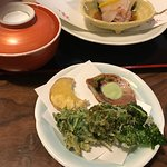 Teishoku with kakinoha-zushi: sushi wrapped in persimmon leaf
