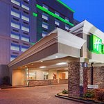 Holiday Inn I-64 West End just miles from Richmond Intl Raceway