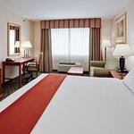 Photo de Holiday Inn Express Gibson