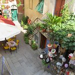 Outdoor seating, Caffe Matteo