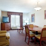"Club Suite w/wet bar, 42"" LCD TV, Separate King Bedrm, Living Rm"