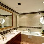 Bathroom Deluxe At Swiss Diamond Lugano