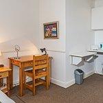 Double Room 5 Desk & Kitchenette