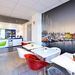 Photo de Ibis styles Vannes Gare Centre