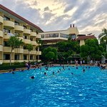 Photo de Beach Garden Hotel