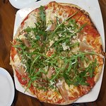 Pizza parma and rucola