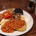 A full 'greasy spoon' English cooked breakie