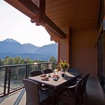 Foto de The Sutton Place Hotel Revelstoke Mountain Resort