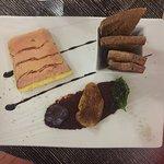 Un duo de Saint-Jacques et un saumon au jus de truffe ...un délice