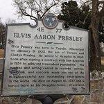 Historical marker outside Graceland