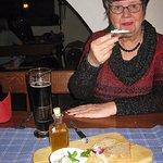 Kleine Vorspeise: Quark mit Leinöl und Schmalz vom Wildschwein. Keine 5€ und Hmmm!