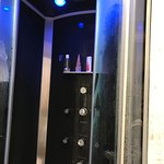 Awesome 8 head shower with hydrotherapy lighting