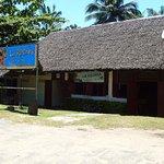 Tamatave: Cocktail-Bar Restaurant La Récréa. Bd Ratsimilaho