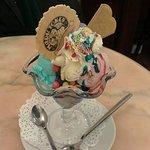 Bubble gum and strawberry ice cream