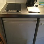 冷蔵庫には 冷凍スペースもあります