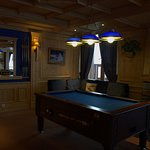 Bar, avec billard