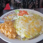 beef enchilada plate with green sauce