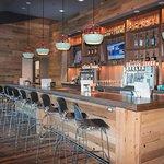 Now Open!  Versante Restaurant and Bar