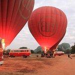 Balloons over Bagan Foto