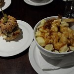 Mini Pulled Pork Burger & Traditional Poutine
