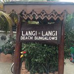 Photo de LangiLangi Beach Bungalows Cafe