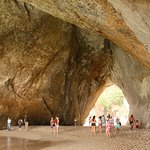 Cathedral Cove, crowded