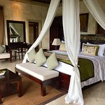 Royal Pool Villa - Comfortable Bed!