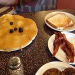 Wolf's den breakfast