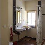 Salle de bain sans marche de la chambre Coquelicot