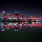 Incredible views of the Unction Pedestrian Bridge at night!  A great park along the river.  Plen