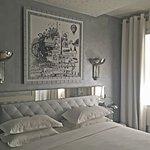 Photo de Le Petit Madeleine Hotel