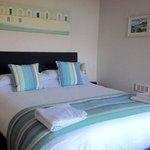 Double room 2nd floor kingsize bed seaview