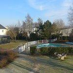 Vue sur jardin & piscine depuis la chambre 51