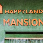 Happyland Mansion Foto