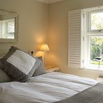 Comfort with a king size bed, 5 minutes walk from the harbour