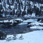 Photo de Kootenai Falls Swinging Bridge
