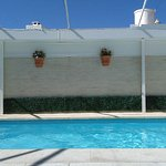 vista parcial de la piscina