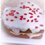 Mini red velvet cake.