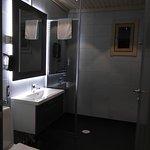 Valkea Lodge Bathroom