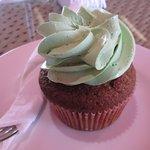 date cupcake with pistachio cream