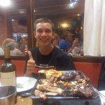 Mi sobrino Pedrito dando el visto bueno al Restaurante  CURCUMA! Comió muy rico y se fue content