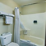 Oxford Suites Hermiston Photo